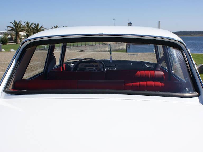 Peugeot 404 Hire Esposende